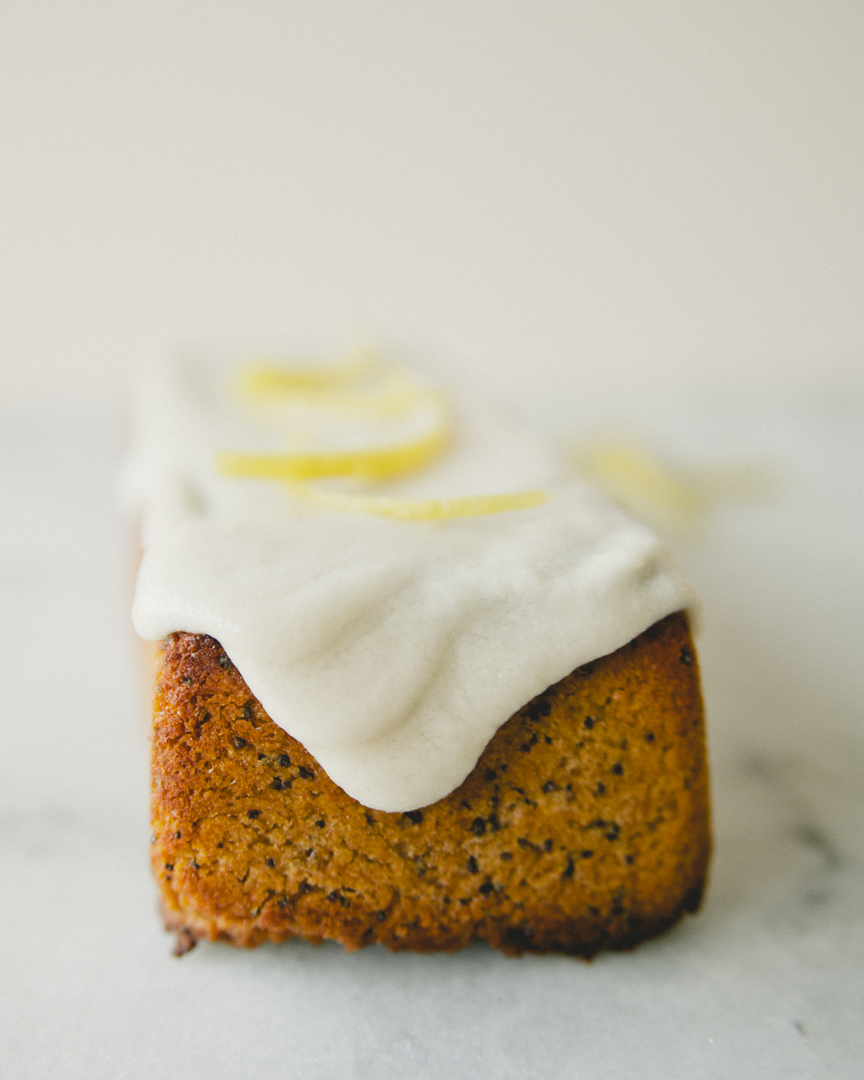 Zesty Lemon Poppyseed Bread \ Sweet Laurel #sweetlaurelbakery #paleo #vegan #glutenfree