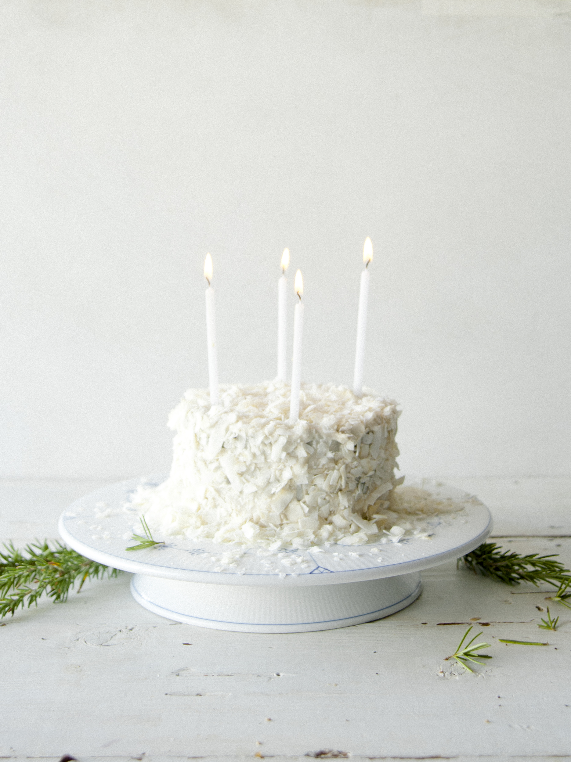 Festive Snowball Cake \ Sweet Laurel